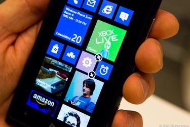 Bloomberg: Nokialta Windows Phone 8 -laitteita jo ensi kuussa
